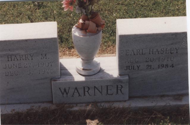 Tombstone of Harry M. and Pearl (Hasley) Warner