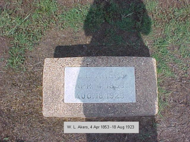 Tombstone of W. L. Akers