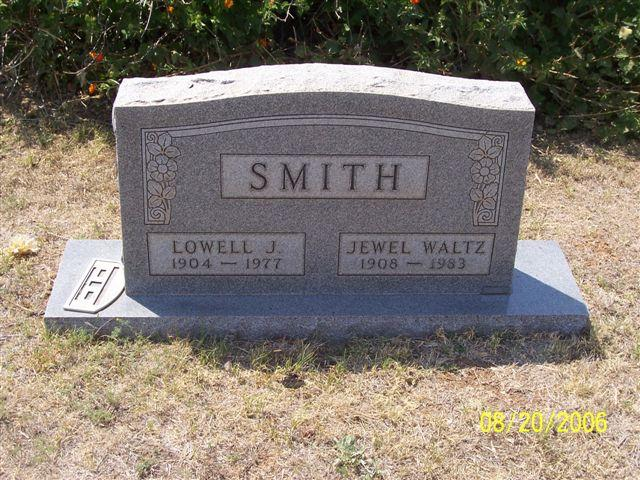 Tombstone of Lowell J. Smith (1904-1977) and Jewel Waltz Smith (1908-1983)