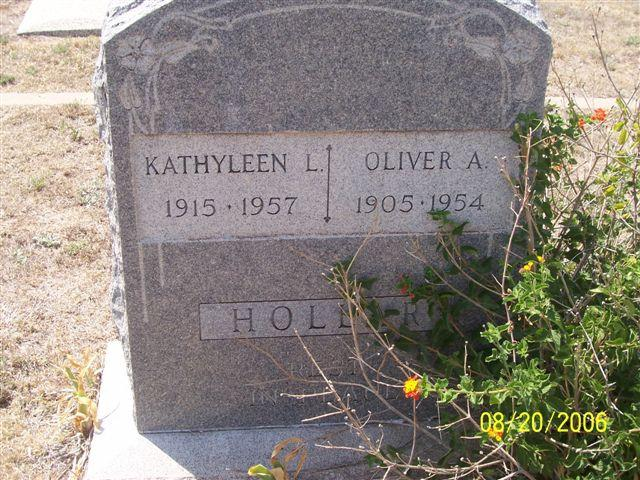 Tombstone of Oliver A. Hollar (1905-1954) and Kathyleen L. Hollar (1915-1957)