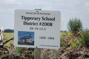 Tipperary School District 2008,Started out as Belle Plain School District 2008,SE section 36 township 19 Range 12 west of the second meridian,GPS N 50 39' 56.2W 103 32' 24.6,Near Balcarres South east section 13 township 21 range 12 west of the second meridian,province of Saskatchewan, Canada1909-1964,  one room school house picture