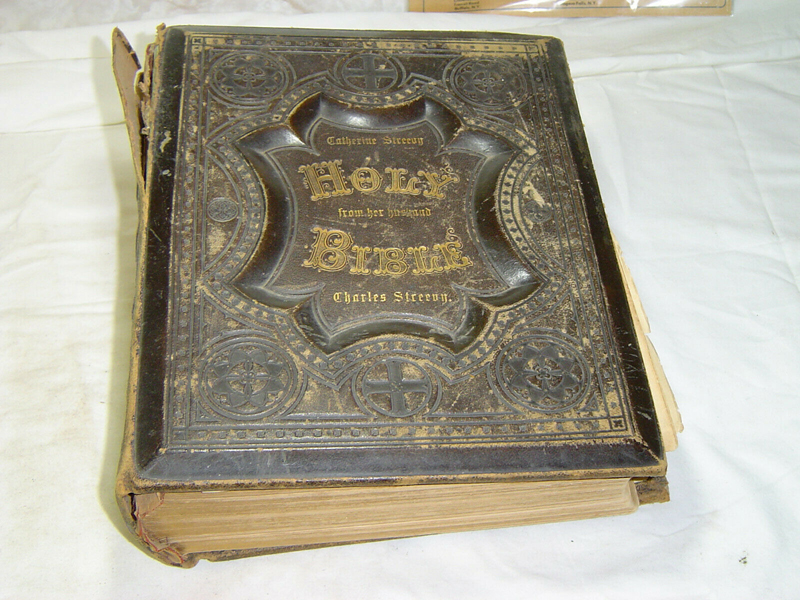 Antique 1825 German Family Bible Heavily Illustrated Previous Restoration Antiquarian & Collectible Books