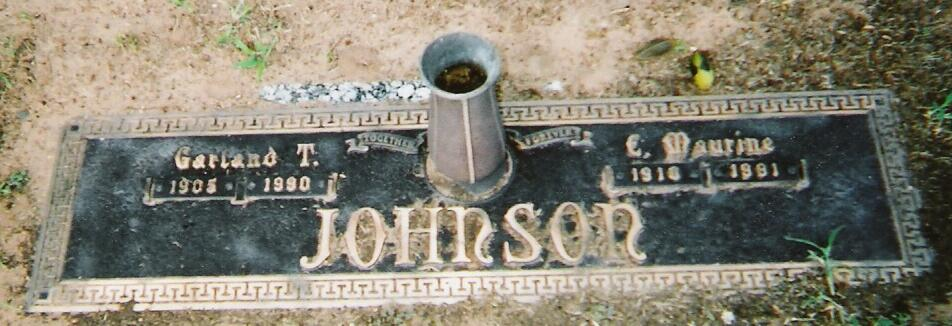 Tombstone of Garland and Maurine Johnson