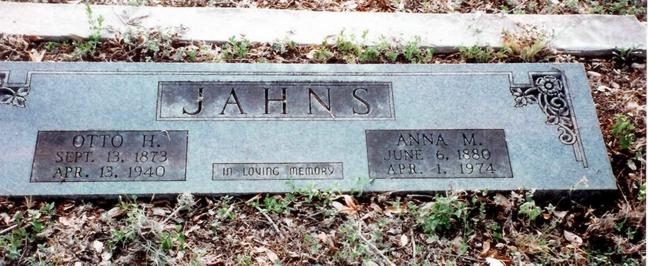 Otto and Anna Jahns